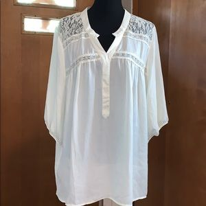 Wet seal chiffon ivory top with lace details, 2x